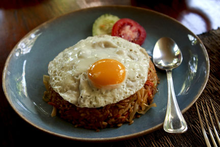 Breakfast: Nasi Goreng.  Copyright David Pu'u